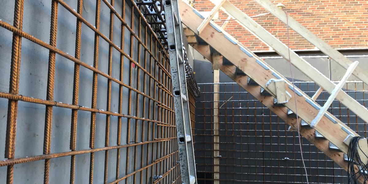 Undervejs i forløbet af opførelsen af Konfirmandhuset i Smørum